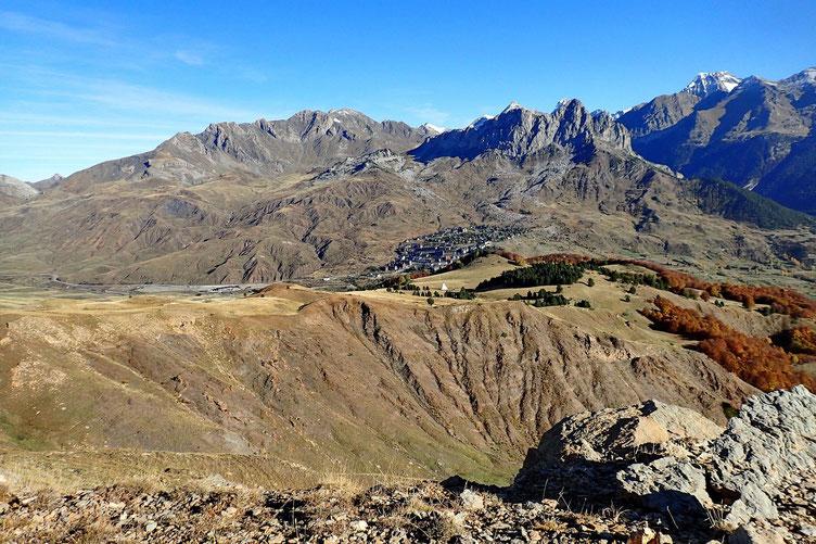 La station de ski de Formigal dominée par les deux Foratata.