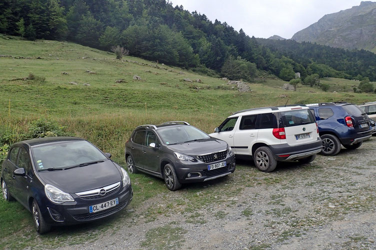 Quelques véhicules, mais je n'ai pas vu beaucoup de monde...