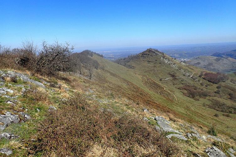 La Crête des Pernes avec le Pic de Taulemale et un peu plus loin le Coussaout.