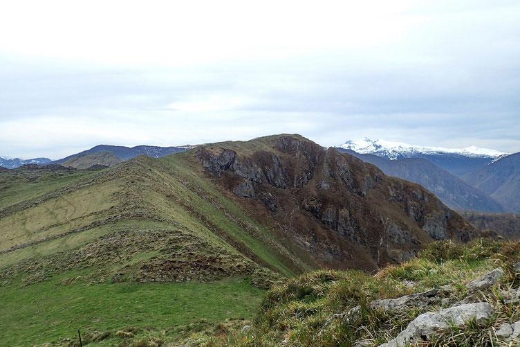 Pour le deuxième sommet de la journée (le Biscacou), il suffit de suivre la crête.