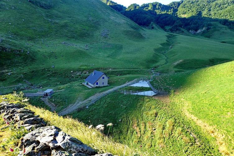 La Cabane d'Ibech. Etrangement sans trace d'activité en plein mois de juillet.