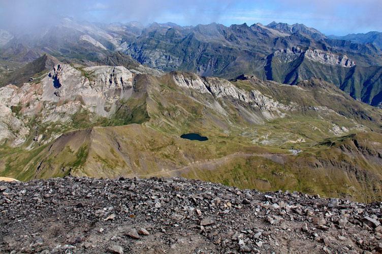 Le Lac des Espécières, à peu près 1000 m plus bas.