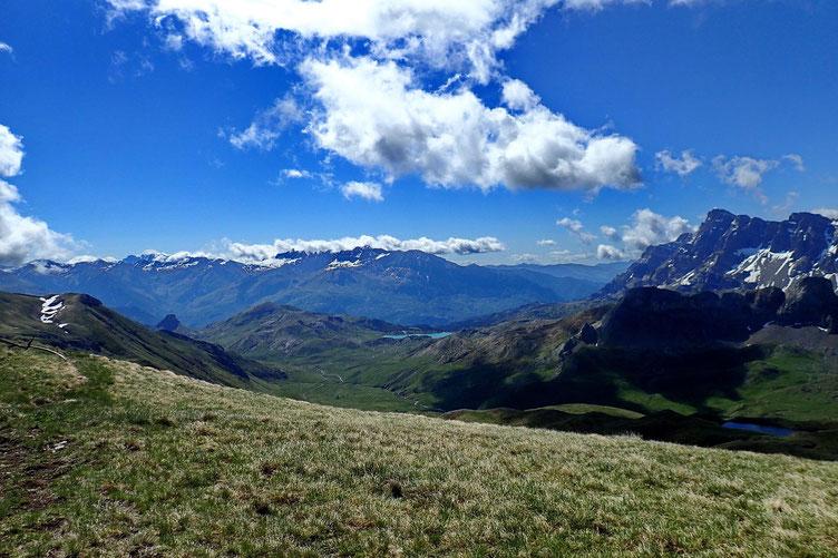Du Pico de las tres Guegas (2303m), panorama vers le Sud.