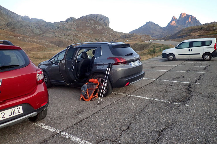 Espagne, juste après la frontière, parking du Pourtalet