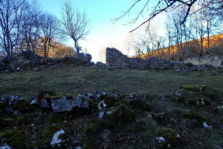Arrivée sur des ruines...