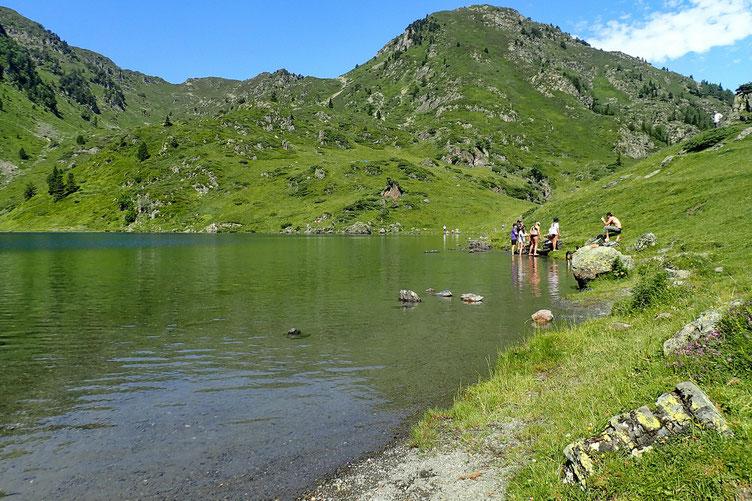 Arrivée au Lac de Bareille où je ne suis pas tout seul (mais je m'y attendais).
