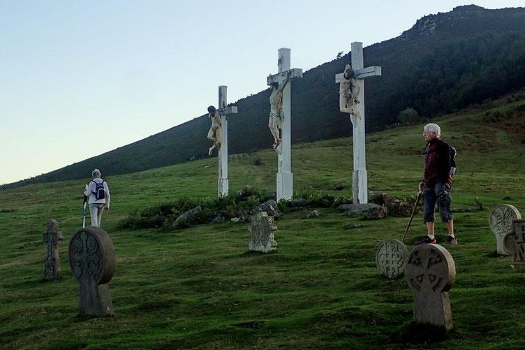 Calvaire avec des sépultures basques.