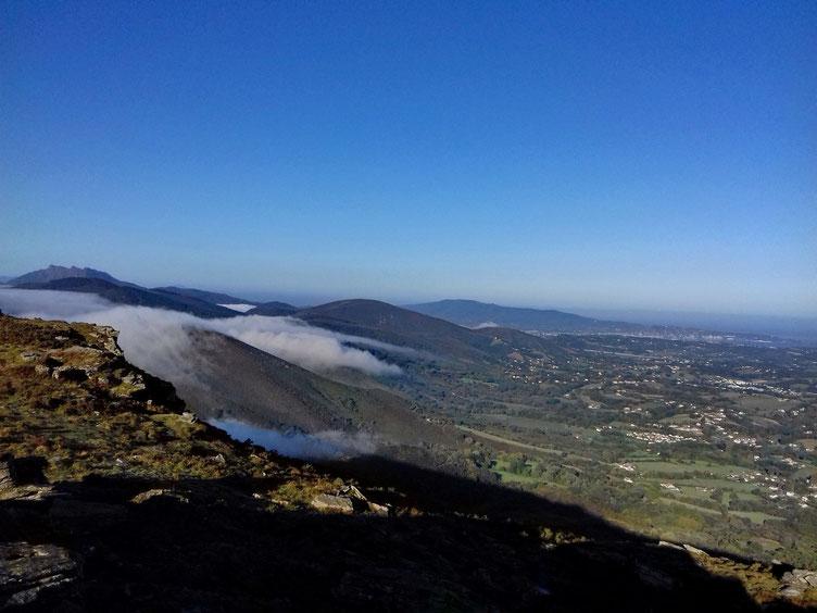 La brume a eu la délicatesse de rester dans les fonds des vallées...