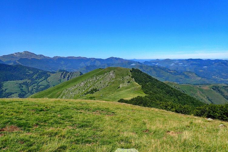 Vers les Pyrénées basques.