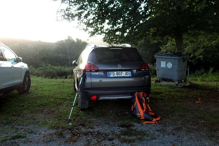 Parking à l'Arantzako Kapera (Chapelle de l'Aubépine) en bout de piste.