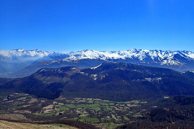 Au premier plan, le Pic de Peyre, fait la semaine dernière.