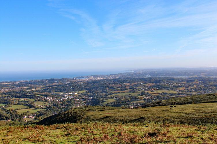 Plus au Nord, on devine Biarritz...