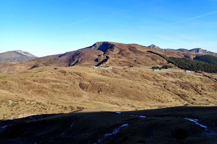 Le Col du Soulor (1474m). Les pistes de ski nordique ne font pas recette en ce mois de janvier...