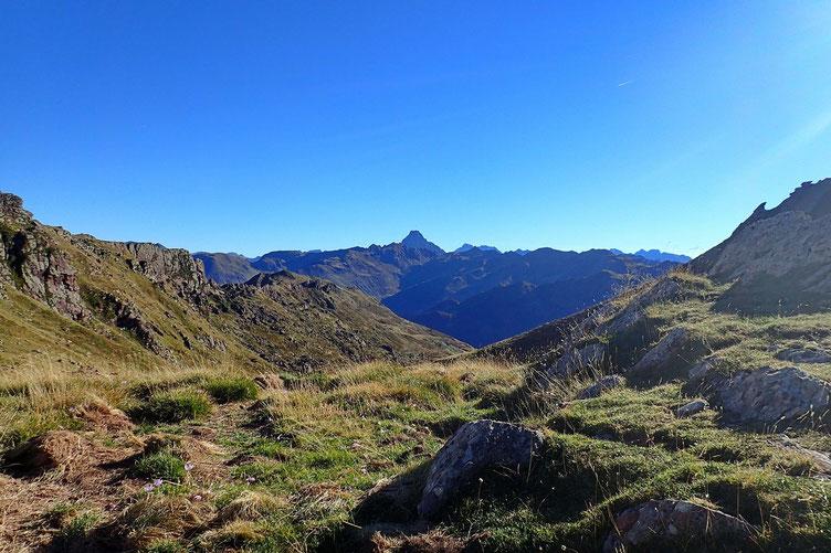 Du Col de Contendé (2019m), vue sur l'Ossau.