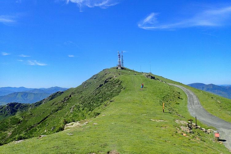 Et derrière moi, le Mont Baïgura.