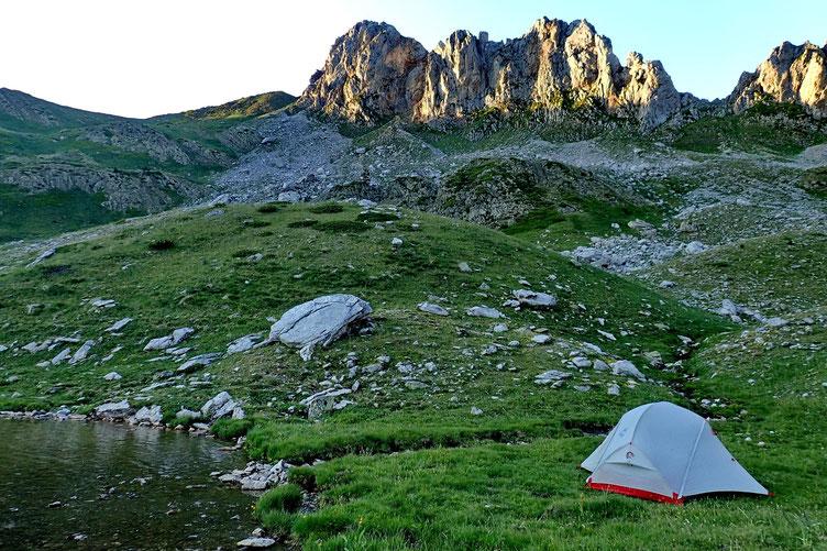 Au centre le Pic du Lac de la Chourique (2084m).