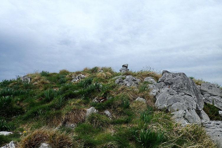 Me voici sur la crête avec un premier antecime.