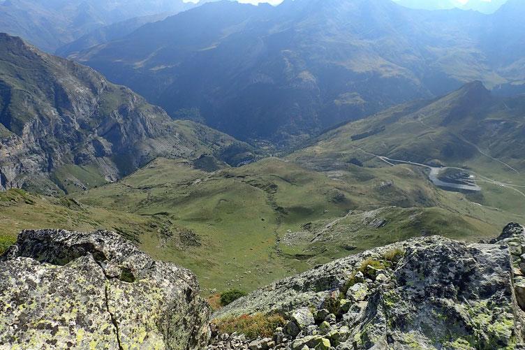 Le village de Gavarnie, 1000 mètres plus bas.