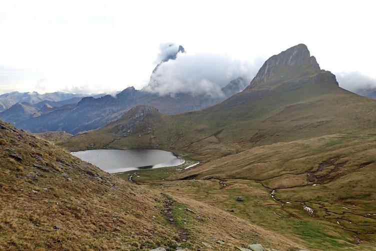 L'écharpe nuageuse qui ne quittera pas le sommet de l'Ossau de la journée.
