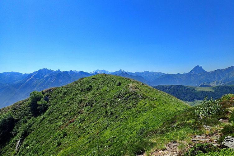 Ça alors, il y a un autre sommet à 200 mètres...