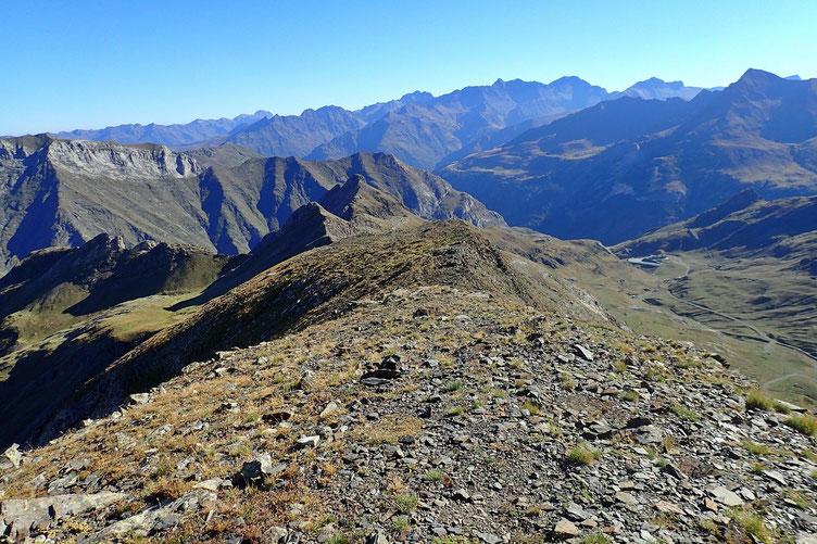 Un peu plus loin, le Pic de Lary, fait il y a une quinzaine de jours.