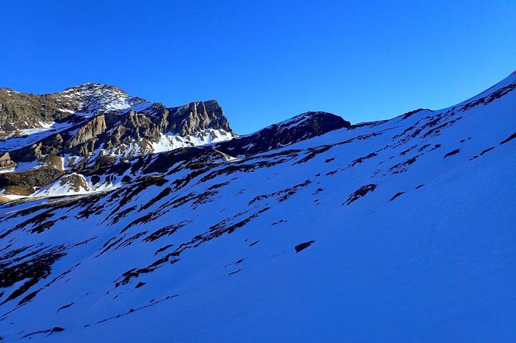Vue sur le Pic de Pène Abeillère (2477m).