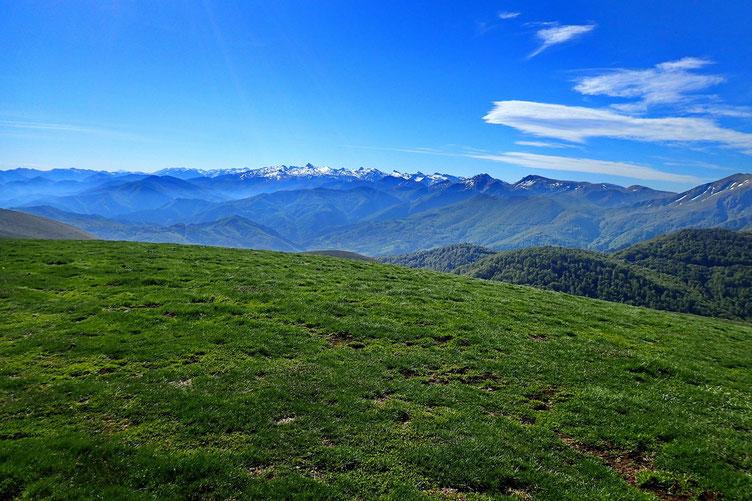 Sinon, belle vue sur la chaine des Pyrénées.