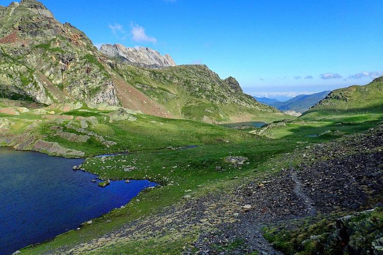 Vue sur le Lac du Lavedan et le Lac d'Uzious.