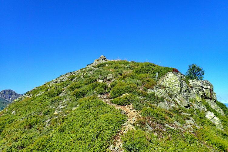 Le cairn sommital du Bareilles.