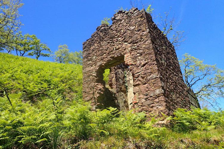Passage par d'anciennes mines de fer.