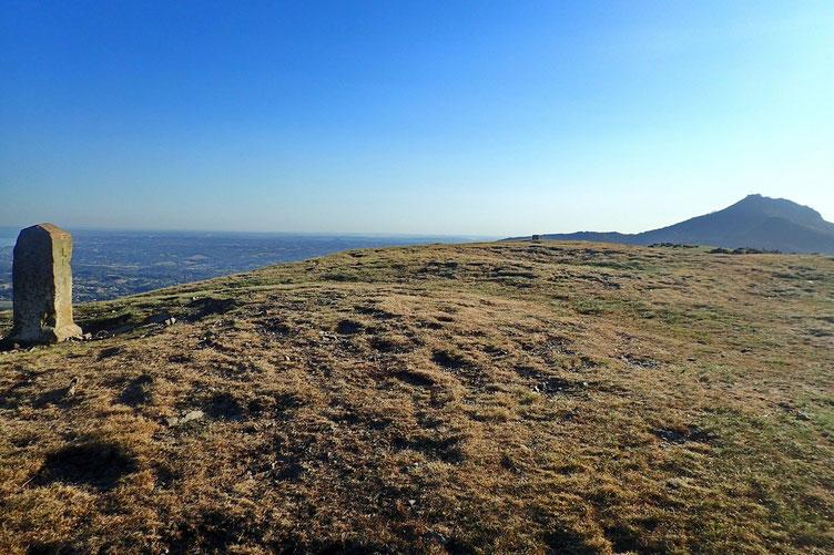 Et un peu plus loin, le plot indiquant le sommet du Manddale.