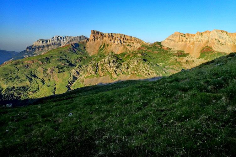 Je recommence à grimper vers la France avec des paysages magnifiques...