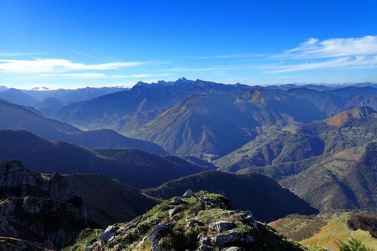 Au Sud, la Vallée d'Aspe.