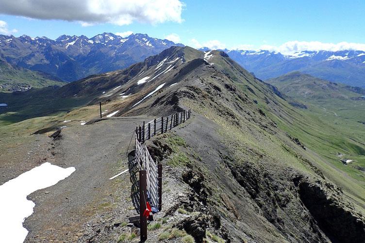 Par moment on croise le sommet d'une piste de ski.