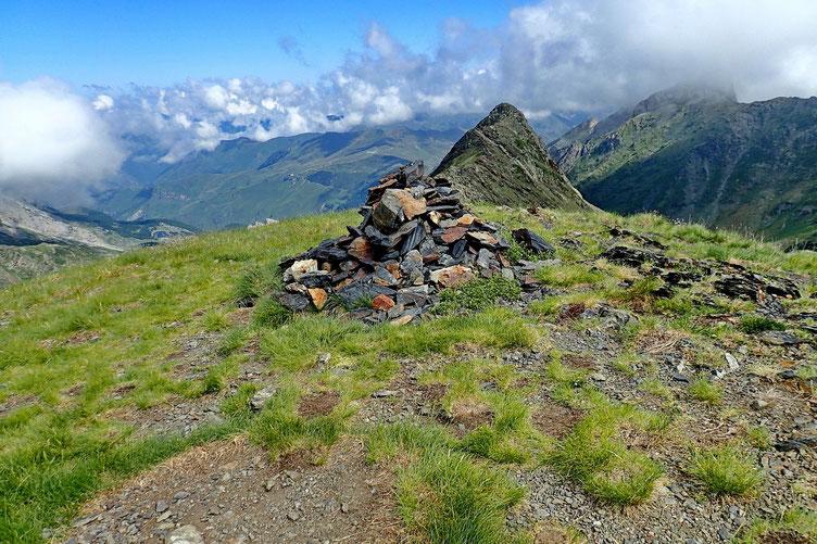 Le Sanctus (2482m).