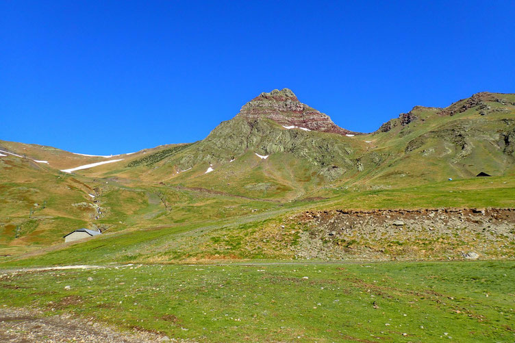 Le Pico Royo (2431m).