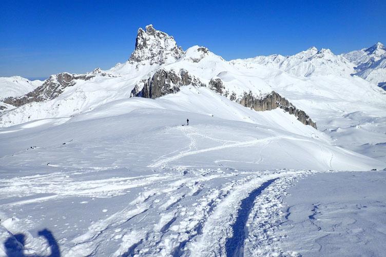 Le Col de Houer avec l'Ossau.