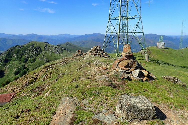Le Mont Baïgura (892m).