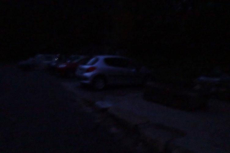 7h30. Parking de Bious-Artigues. Il fait un peu nuit...