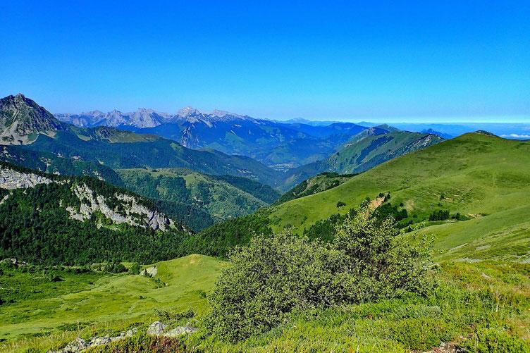 Vers la Vallée d'Aspe et le Pic d'Anie.