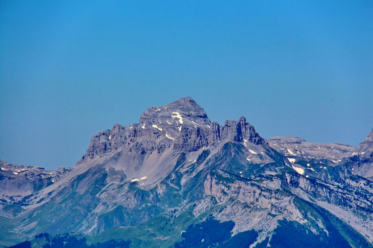 Le Pic d'Anie (au zoom).