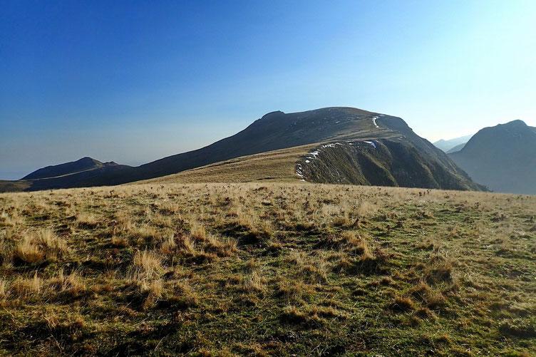 Le reste de la crête à parcourir jusqu'au sommet du Otsogorrigagna, au centre de la photo.