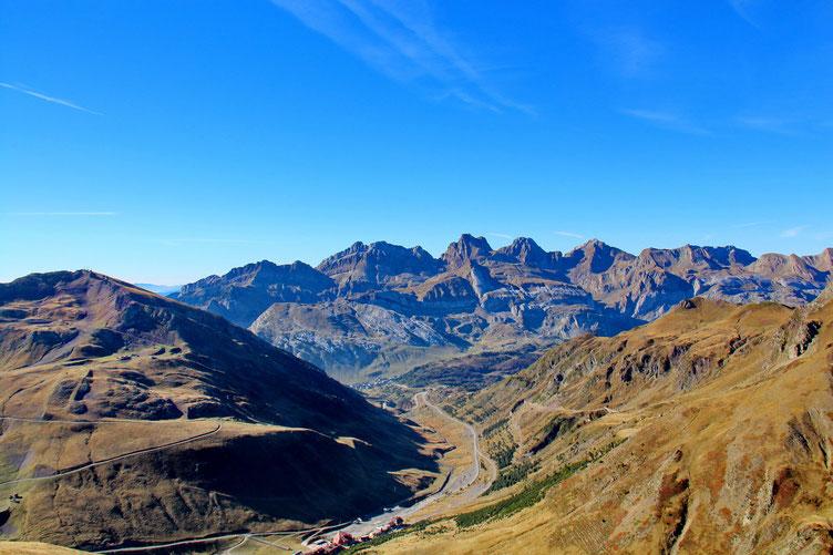Au centre, le Pic d'Aspe.