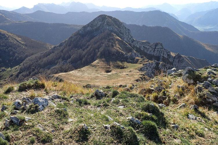Et le Col d'Andurte avec deux petits gouffres.