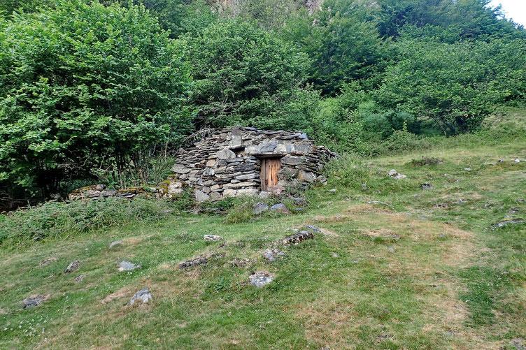 La Cabane d'Arrolets (plus ou moins en ruine).