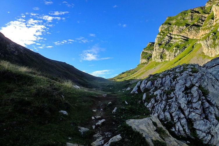 Après la cabane, direction le Col de la Taillandère.