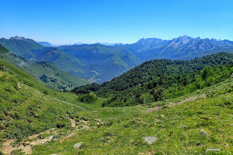 Côté Vallée d'Ossau, les nuages ont totalement disparu...
