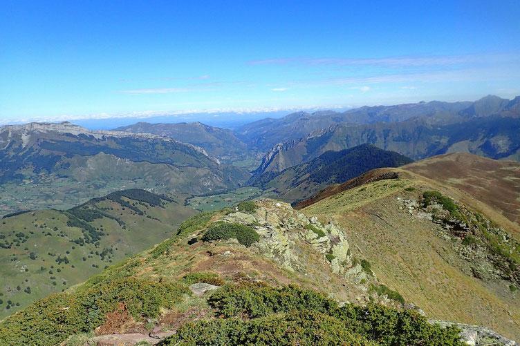 Au Nord, la Vallée d'Aspe.