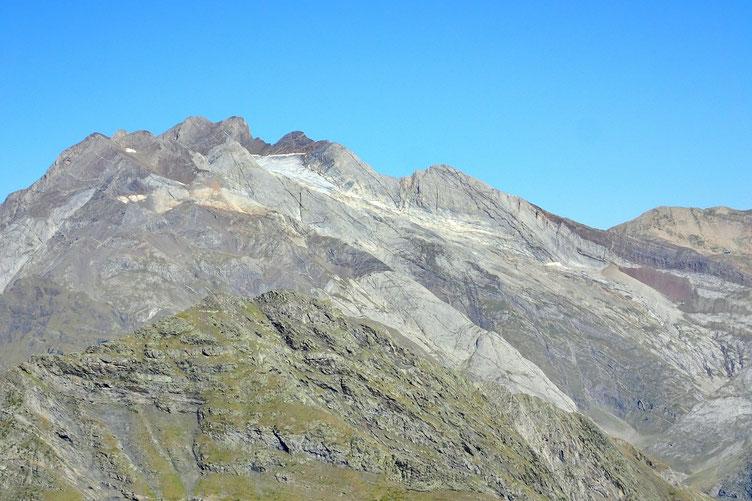 Vignemale dont le glacier se réduit d'année en année...