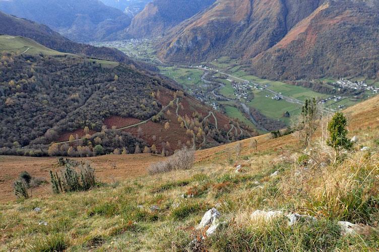 La Vallée d'Ossau Et vue sur la piste qui me ramènera à Aste.